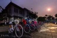 Nah ini ciri khas kalau udah di Kota Tua. Sepeda Warna Warni